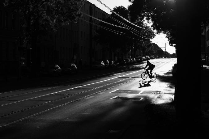 Einsamer Biker